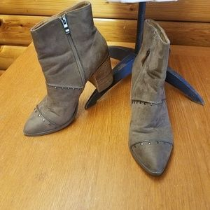 Report Jael Studded Boots